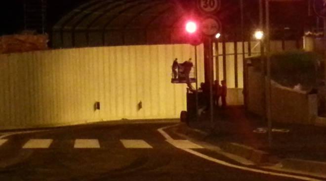operai tunnel rovello di notte