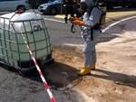 camion perde soda in strada