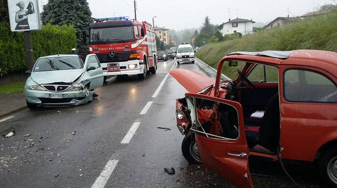incidente frontale di olgiate comasco