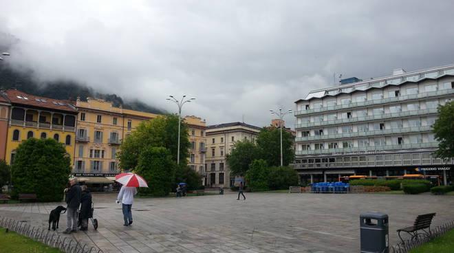 maltempo como pioggia e nuvole