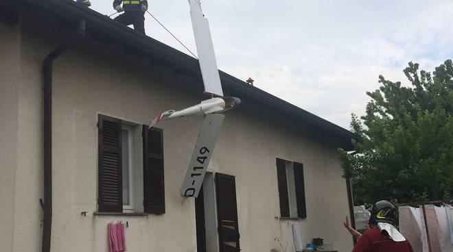 modello aliante caduto montorfano pompieri