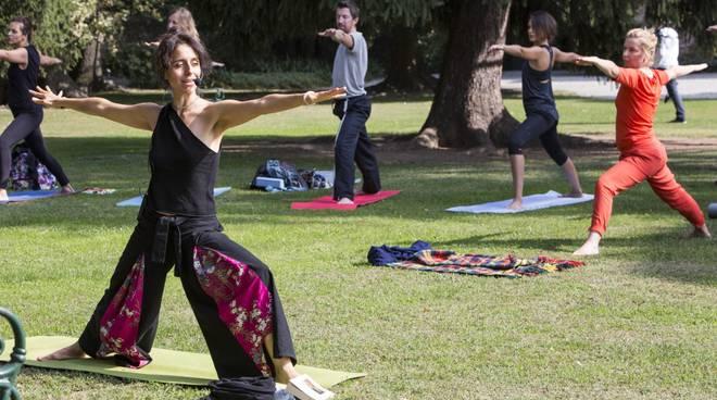 Parolario 2016 con la maxi lezione di yoga con Benedetta Spada
