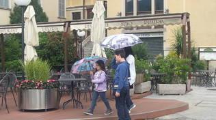 lago piazza cavour e pioggia