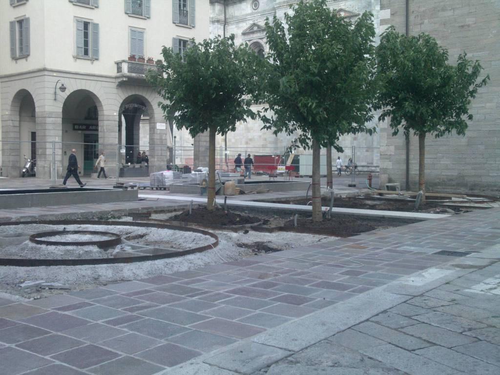 piazza grimoldi como sistemata