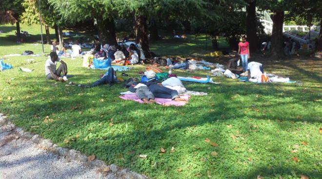 emergenza profughi alla stazione di Como San Giovanni