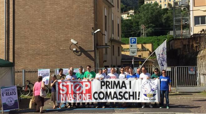 protesta lega nord contro immigrati como
