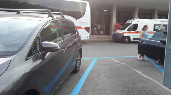 ambulanza stazione como malore