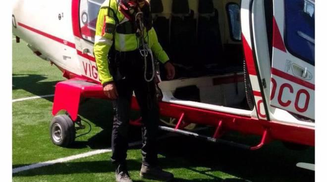 escursionisti recuperati con elicottero pompieri