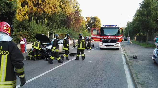 incidente auto-moto rovellasca