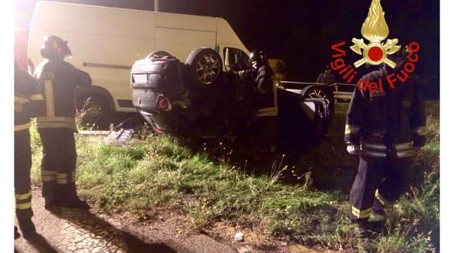 incidente monguzzo, auto contro furgone