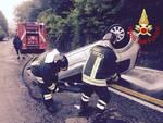 incidente ponte chiasso, auto ribaltata