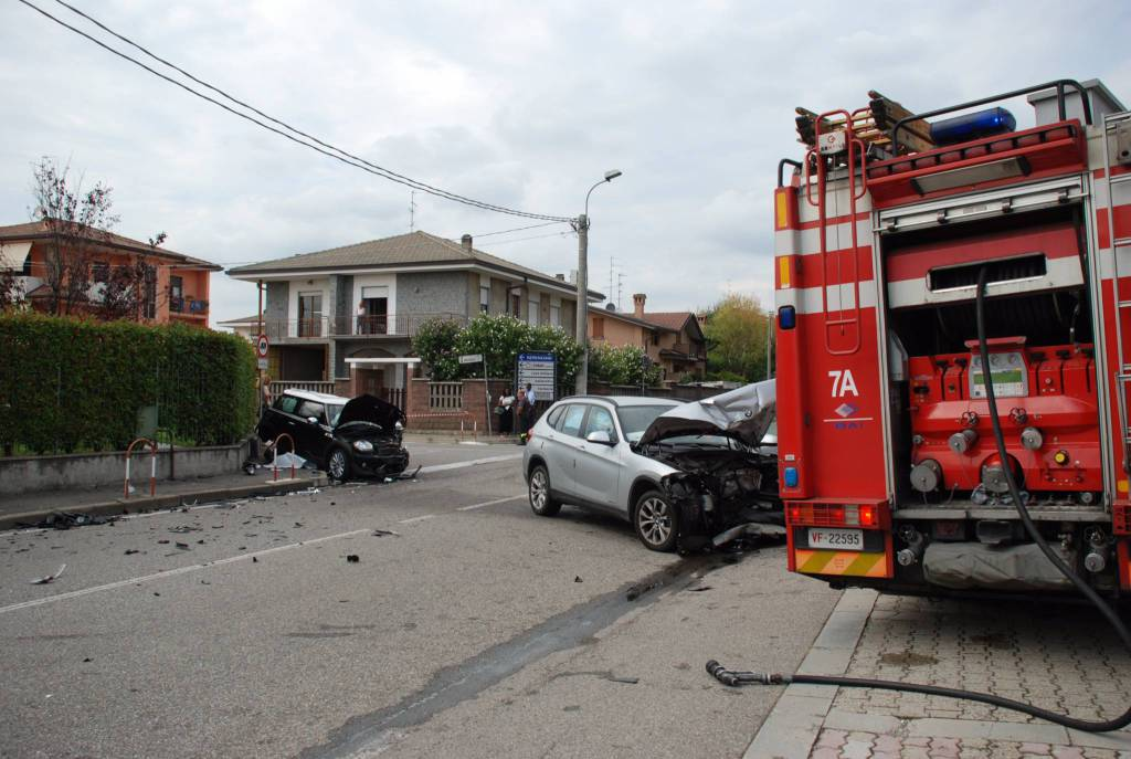 incidente turate incrocio,