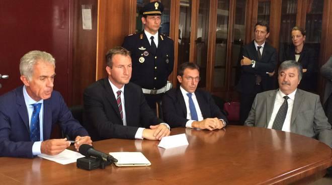 Trasportavano migranti su auto private sulla rotta balcanica: 21 arresti in Lombardia