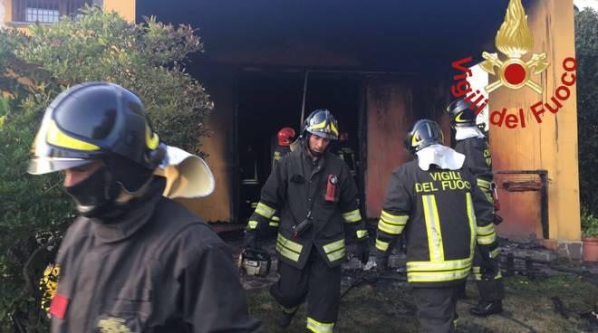 incendio casa monguzzo