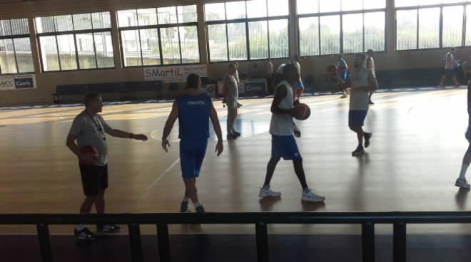 pallacanestro cantù allenamento e ds berti