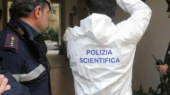 polizia scientifica tuta