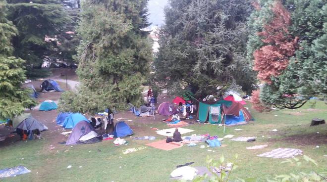 200 migranti al campo di Como