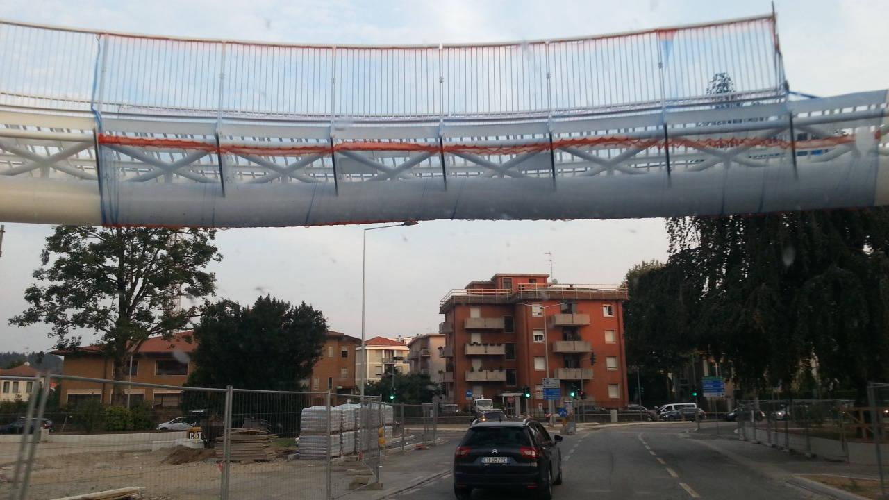 via badone riaperta con ponte