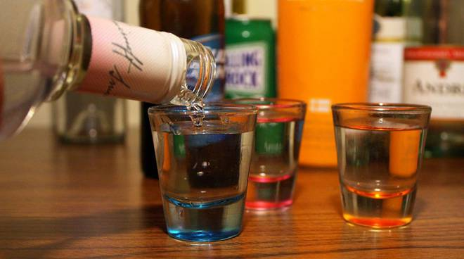 alcool tra i minori, malori notte