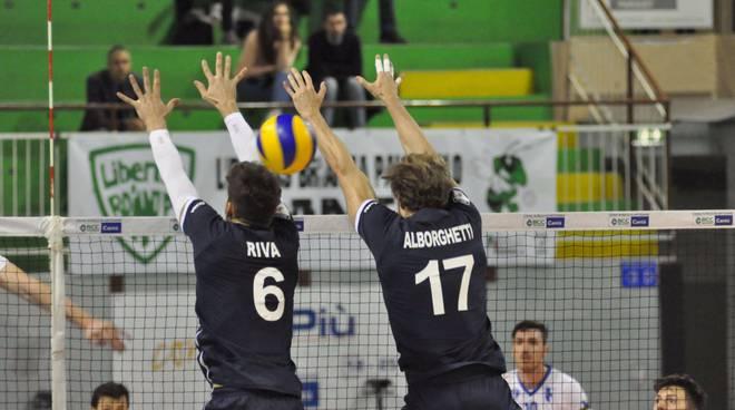 debutto pool libertas cantù volley maschile
