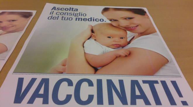 ordine medici como campagna vaccino