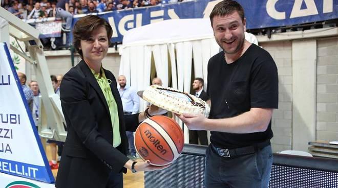 pallacanestro cantù - reyer venezia, debutto a Desio