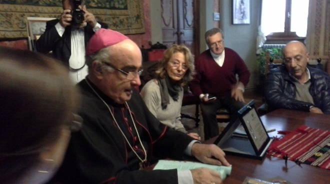 saluto del vescovo coletti a como