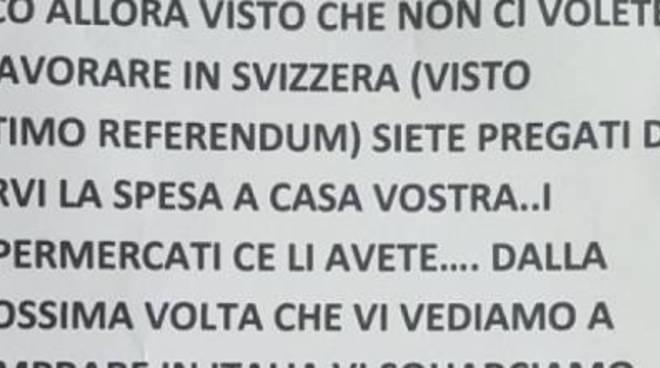 Identificato l'autore dei volantini anti-svizzeri: denunciato dai carabinieri