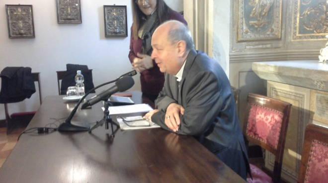 il nuovo vescovo di Como incontra i giornalisti