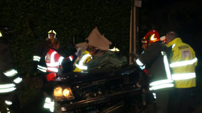 incidente auto via per alzate cantù