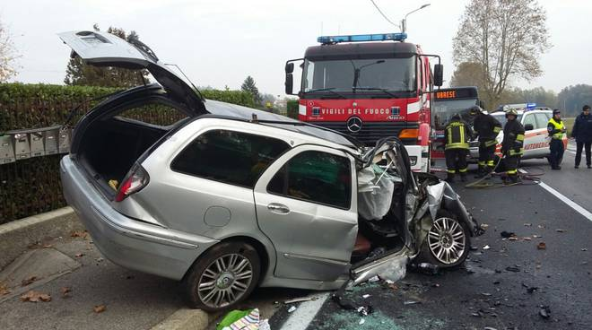 incidente solbiate auto fuori strada