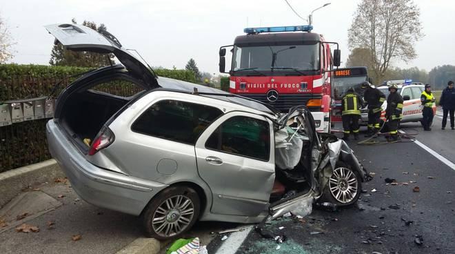 incidente solbiate auto fuori strada