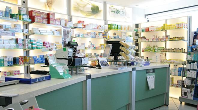 interno farmacia rivolta portichetto luisago