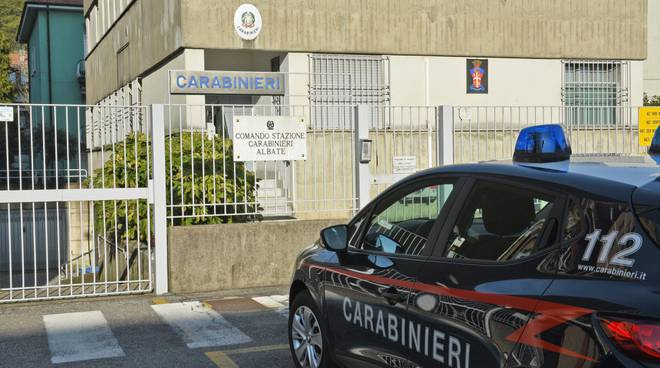 carabinieri albate esterno caserma