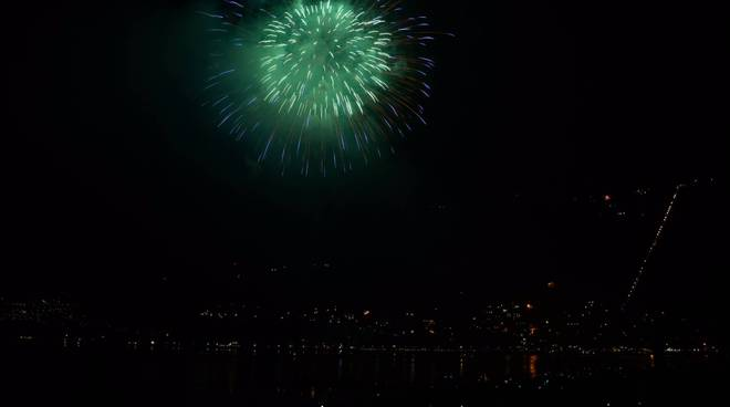 fuochi artificio fine anno a como