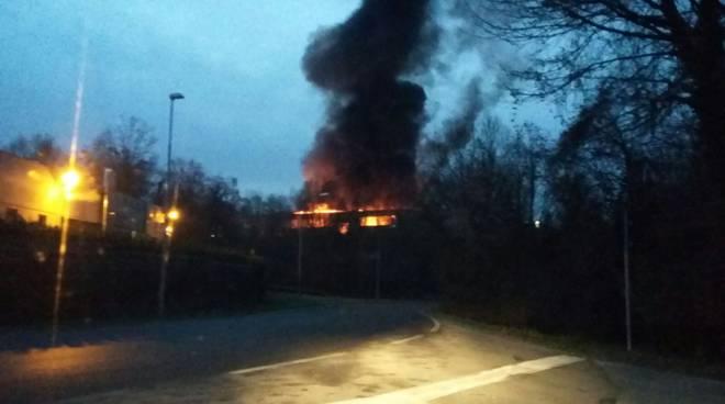 incendio cartiera garbagnate monastero