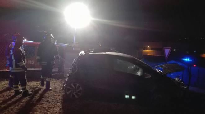 incidente lurago d'erba auto fuori strada