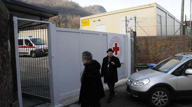 vescovo cantoni al centro migranti di como