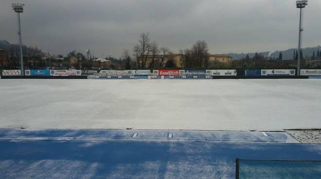 campo salò con neve