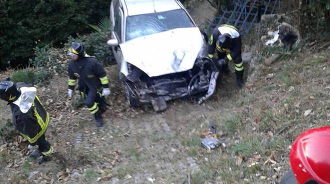 incidente argegno auto dirupo