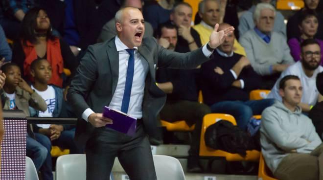 marco sodini coach cantù e diana coach brescia