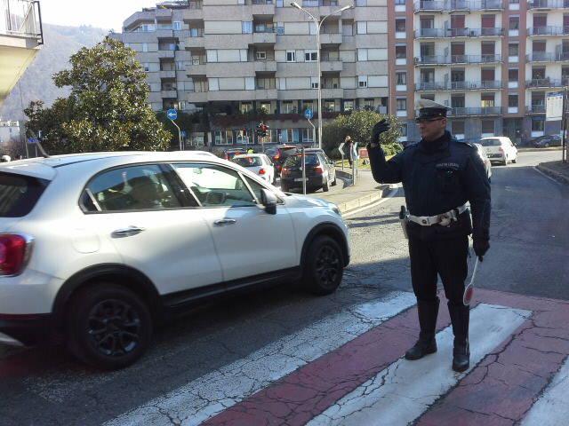 Viale Masia a Como: Polizia Locale dopo gli investimenti