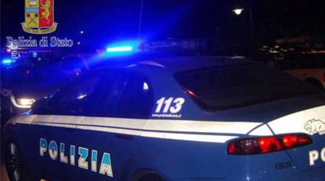 auto polizia notte generica