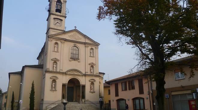 chiesa e parroco di novedrate