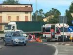 incidente cicloturista a terra soccorso ambulanza
