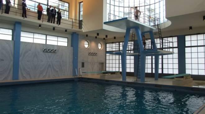 trampolino piscina sinigaglia di como