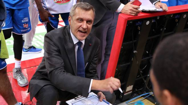 coach bolshakov pallacanestro cantù time out