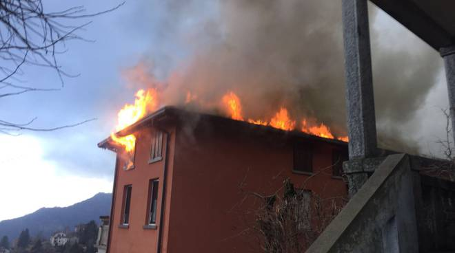 incendio palazzina di Sormano in via Lavello