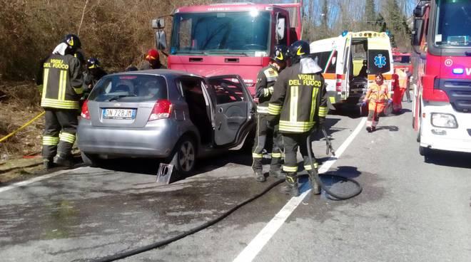 incidente mortale fino mornasco auto e camion