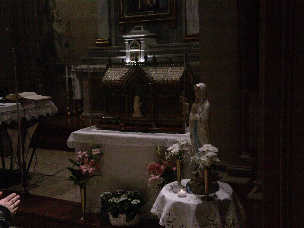 L'urna con le reliquie di Santa Bernadette stasera a Como